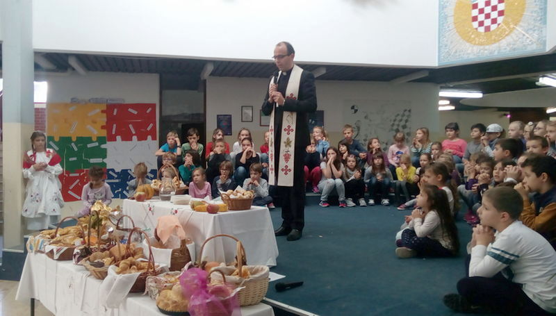 ZAGREB – OŠ FRAN GALOVIĆ <br> Miris kruha u našoj školi