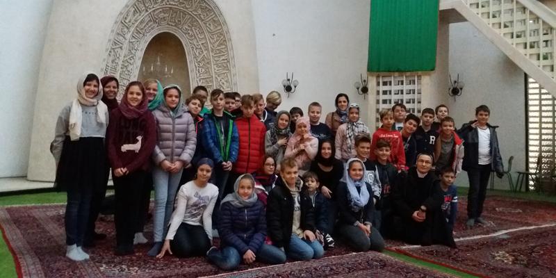 upoznavanje muslimanske web stranice datiranje vs tekstovima za brak