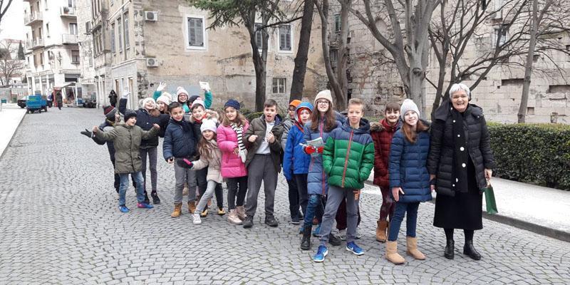 SPLIT<BR>Vjeroučenici OŠ Manuš u posjetu sinagogi