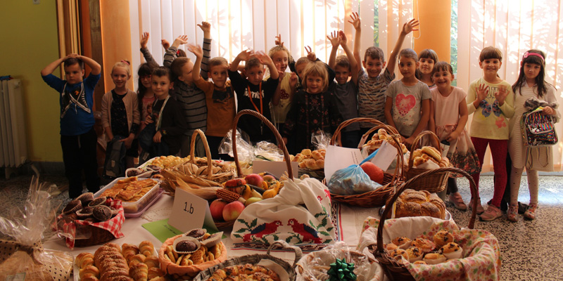 OSIJEK – OŠ VLADIMIR BECIĆ<br>Proslava Dana kruha uz beskućnike